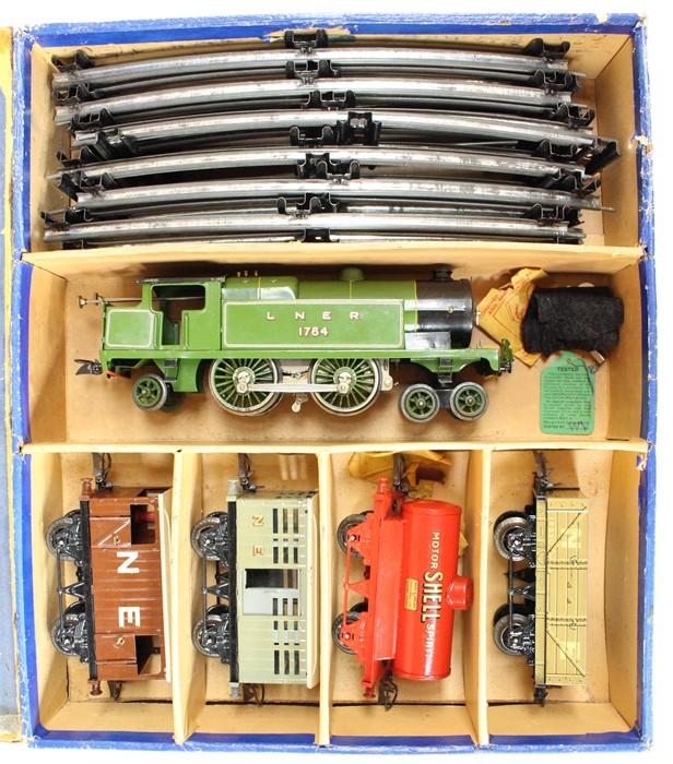 Hornby: A boxed Hornby O Gauge, Clockwork, No. 2 Mixed Goods Set, TS 413; comprising: LNER, 4-4-2 - Image 2 of 4