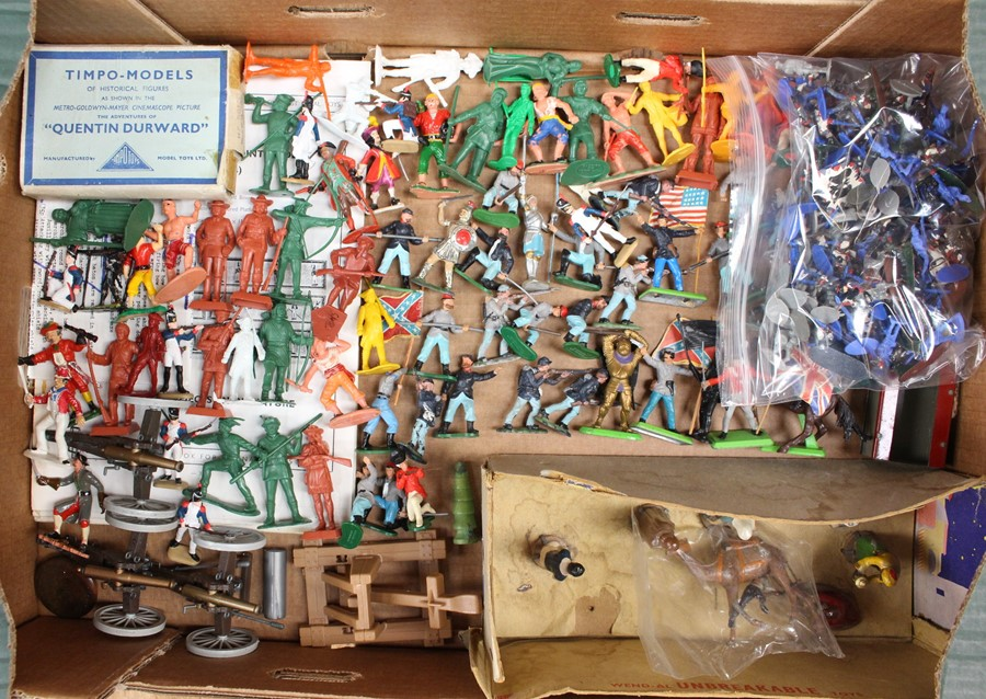 Figures: A collection of assorted Britains and Timpo plastic figures to include soldiers, - Image 3 of 3