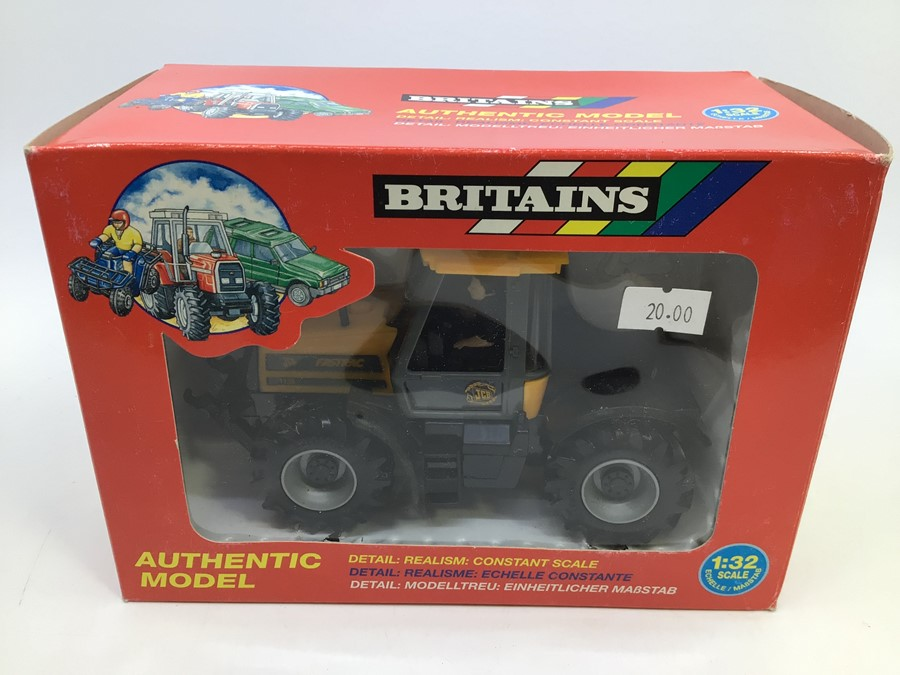 Britains: A collection of assorted Britains to include: John Deere 3050 Tractor , JCB Fastrac - Image 3 of 3
