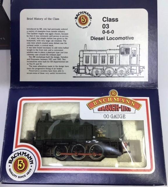 Railway: three 00 gauge Bachmann locomotives to include 32-215 class 57xx Pannier Tank green, - Image 3 of 4