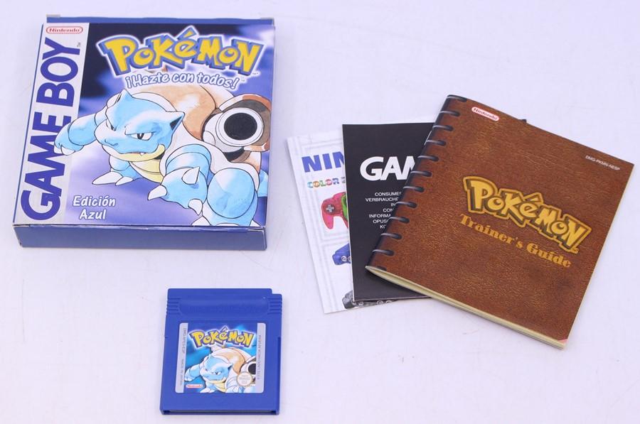 Pokémon: A boxed Pokémon Blue (Edicion Azul) game, Spanish Version, complete with Trainer Guide