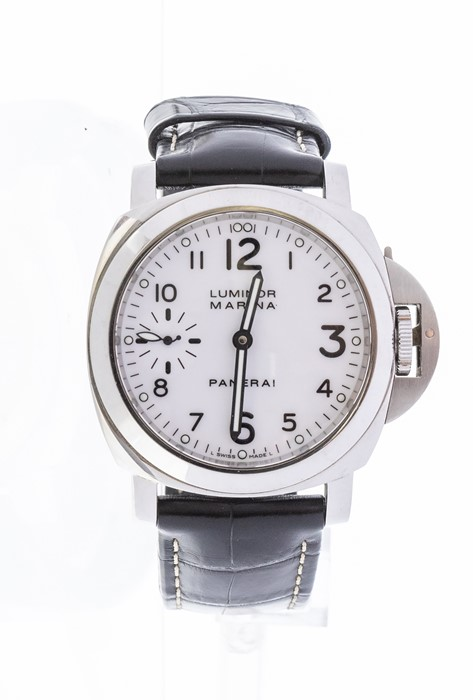 Panerai - a gents Luminor Marina stainless steel diver's watch, white glossy 35mm dial, outer minute