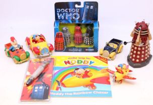 Diecast: A collection of assorted diecast to include: a boxed Corgi Doctor Who 3 Piece Dalek Set,