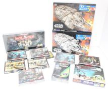 Star Wars: A collection of assorted Star Wars puzzles and games to include: sealed Monopoly Star