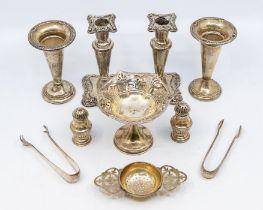 A George V silver raised bon bon dish, openwork rim, hallmarked by Lionel Smith, Birmingham, 1919,