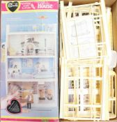 Sindy: A boxed Pedigree Sindy's House, appears in used condition. The contents are unchecked for