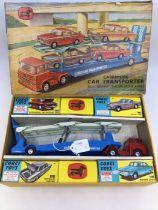 Corgi: A boxed Corgi Toys Major Gift Set No. 28, Carrimore Car Transporter with Bedford Tractor