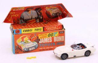 Corgi: A boxed Corgi Toys, James Bond Toyota 2000GT Special Agent 007, 336, vehicle having small