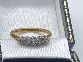 18ct GOLD & PLATINUM 5 STONE DIAMOND RING