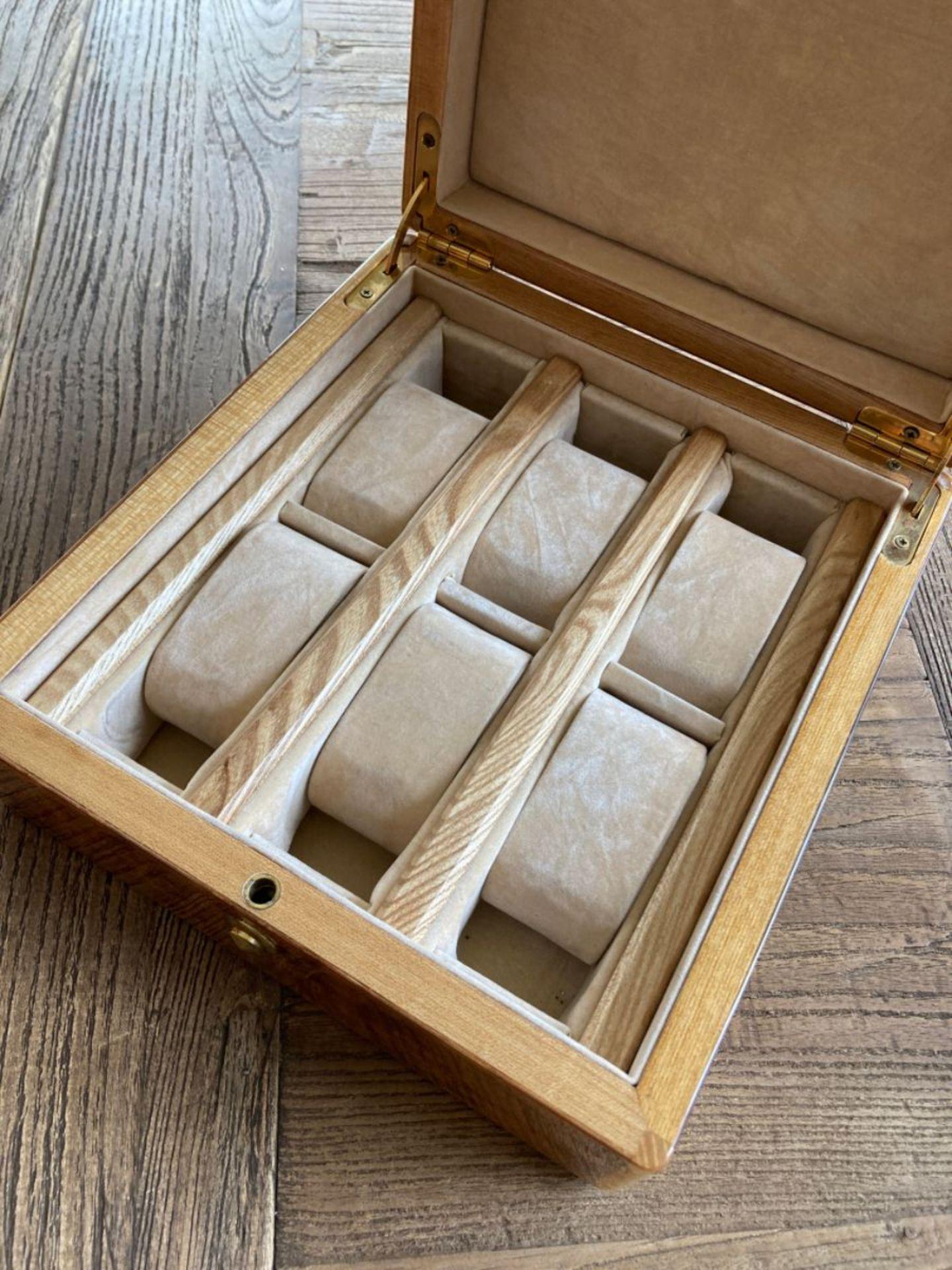 WATCH CASE/ WATCH STORAGE & DISPLAY BOX - Image 3 of 4