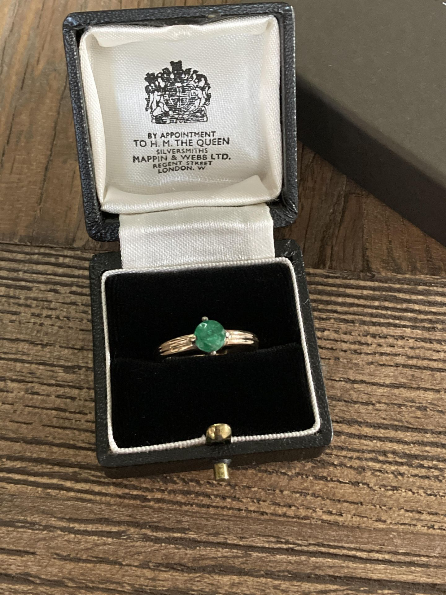 EMERALD GOLD RING - SIZE P /12 - Image 2 of 3