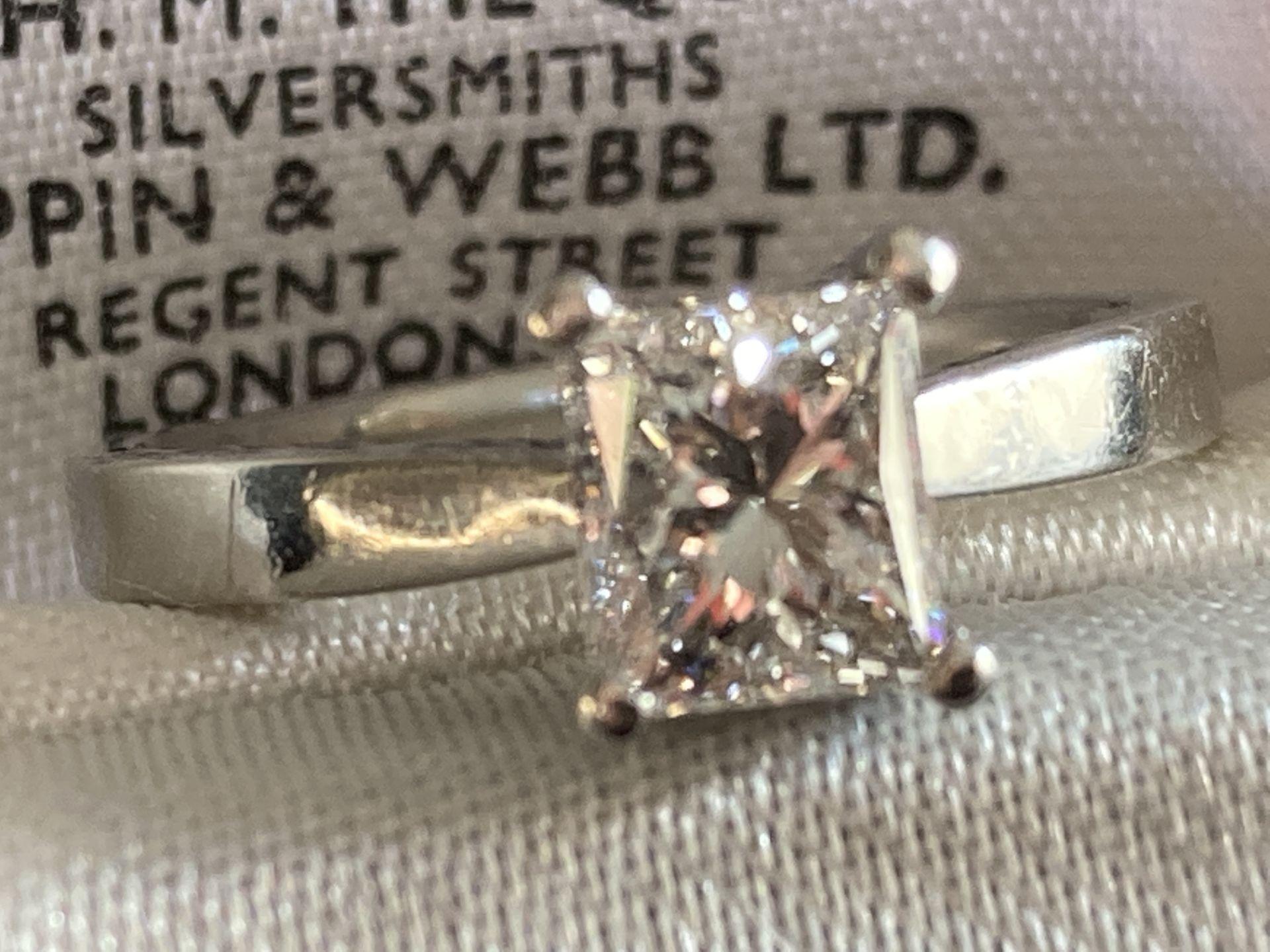 1.04CT (VS/F) PLATINUM PRINCESS CUT DIAMOND SOLITAIRE RING (CERTIFICATED) - Image 6 of 10