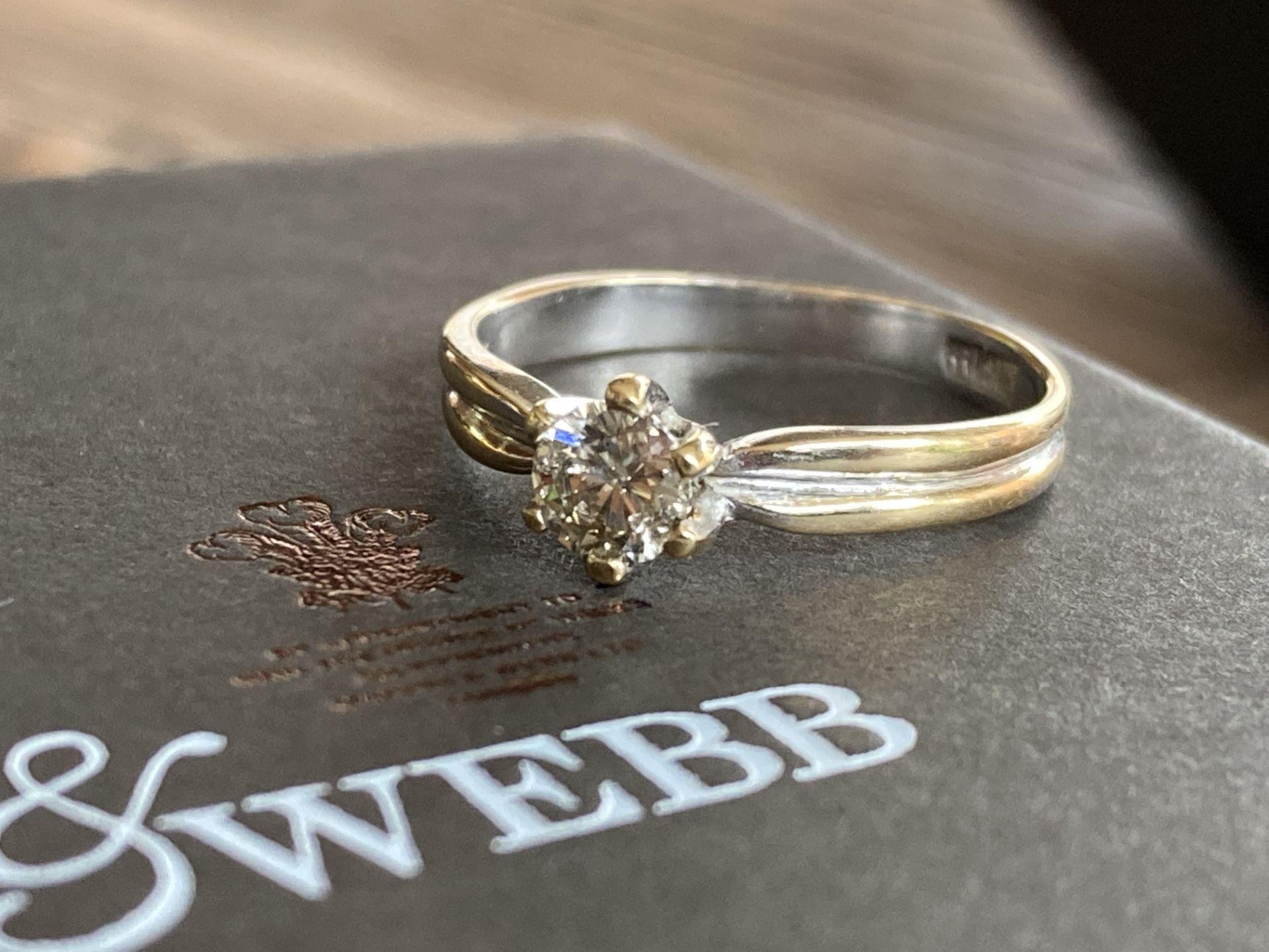 0.35CT DIAMOND SET RING IN 18K GOLD