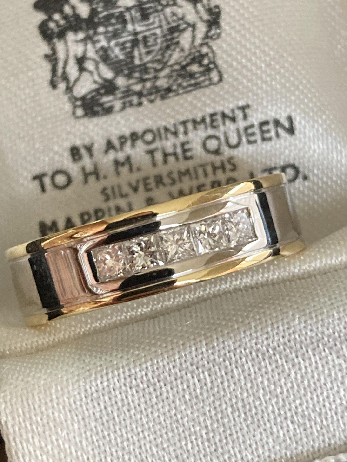 18CT MIXED GOLD DIAMOND RING (PRINCESS CUT) - SIZE: O 1/2 / WEIGHT: 8.9G - Image 3 of 3