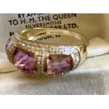 9CT YELLOW GOLD AMETHYST & DIAMOND RING - SIZE: S / WEIGHT: 3.5G