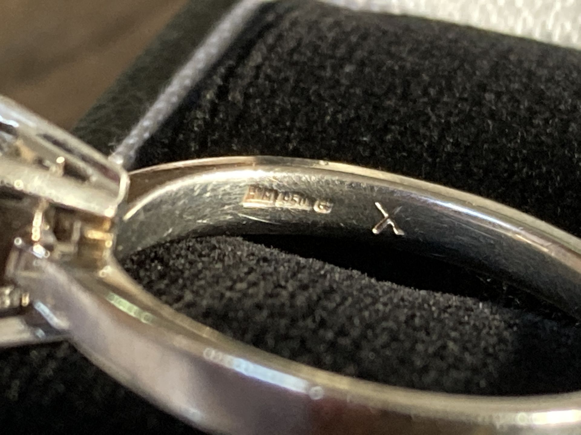 1.04CT (VS/F) PLATINUM PRINCESS CUT DIAMOND SOLITAIRE RING (CERTIFICATED) - Image 10 of 10