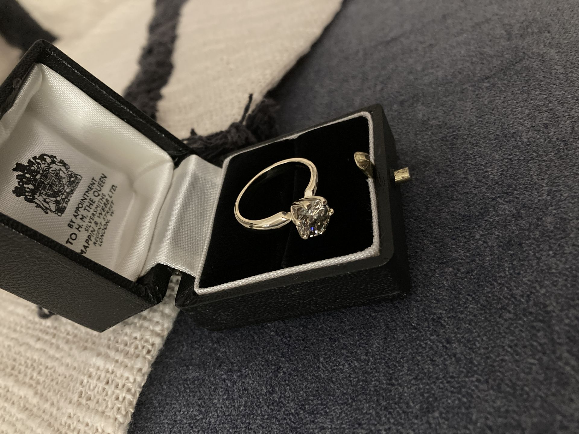 1.54CT DIAMOND SOLITAIRE RING Y. GOLD (ROUND BRILLIANT) - 2012 VALUATION £6,200 INCLUDED - Image 8 of 14