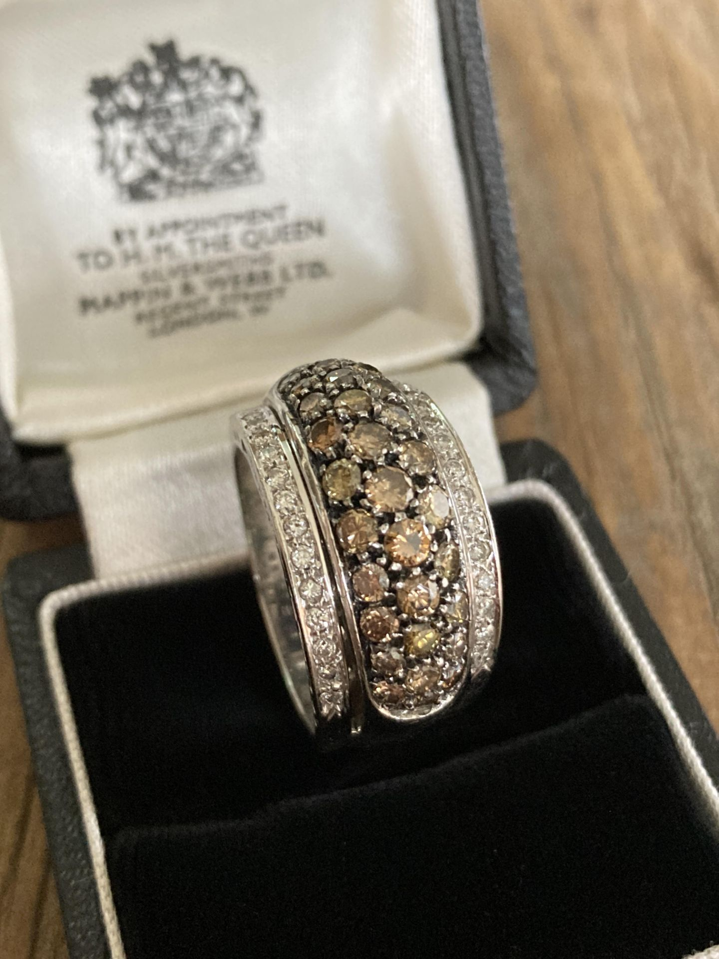 18CT WHITE GOLD 2.5CT BRILLIANT CUT DIAMOND RING (MIXED COLOUR DESIGN) - SIZE: T 1/2 / WEIGHT: 18.6G