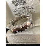 MODERN 18CT WHITE GOLD DIAMOND RING - 0.65CT / SIZE: N, WEIGHT: 11.4G