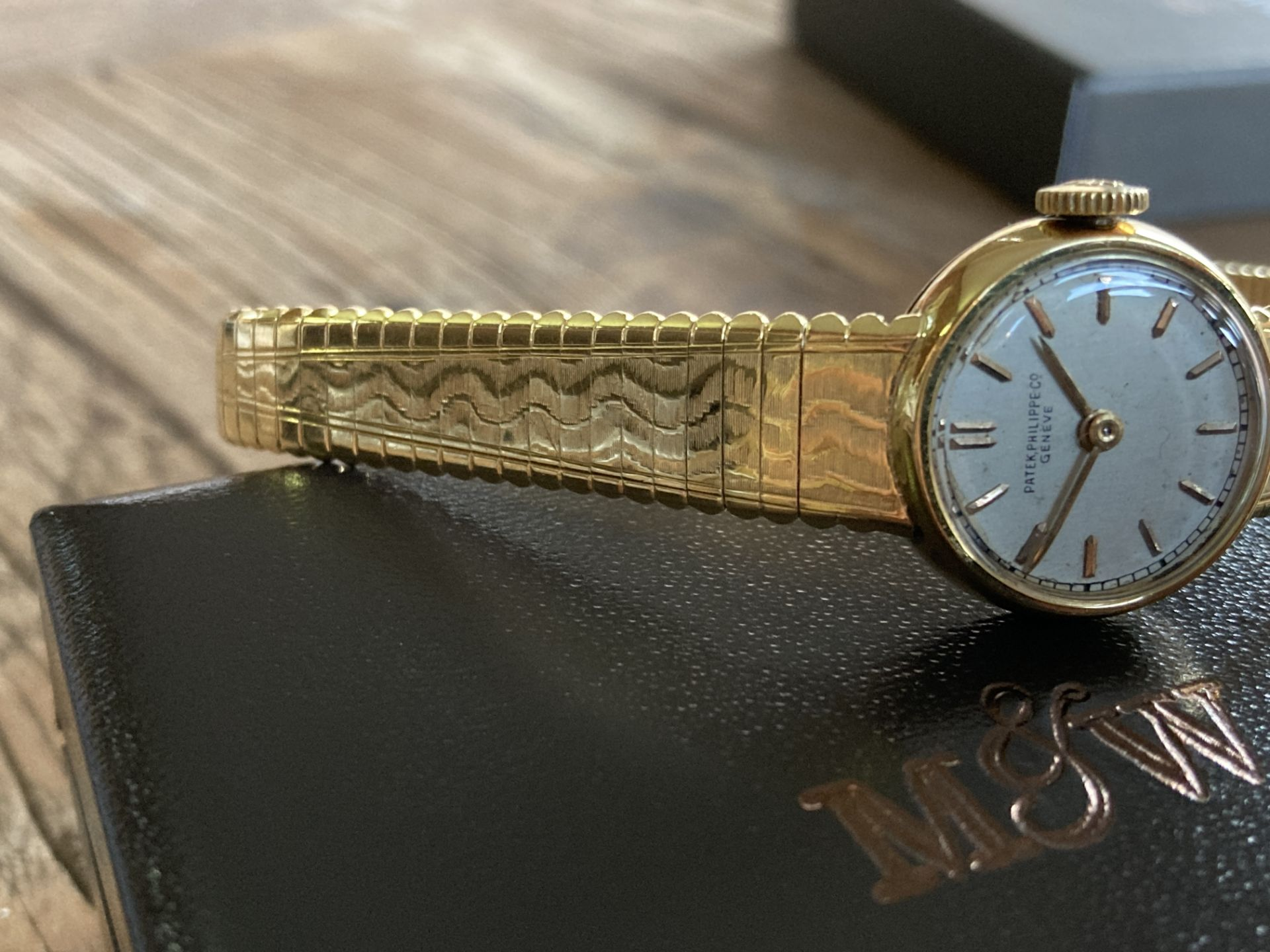 PATEK PHILIPPE 18CT YELLOW GOLD WATCH (WEIGHT: 34.1G) CASE SIZE 20MM APPROX - Image 2 of 6