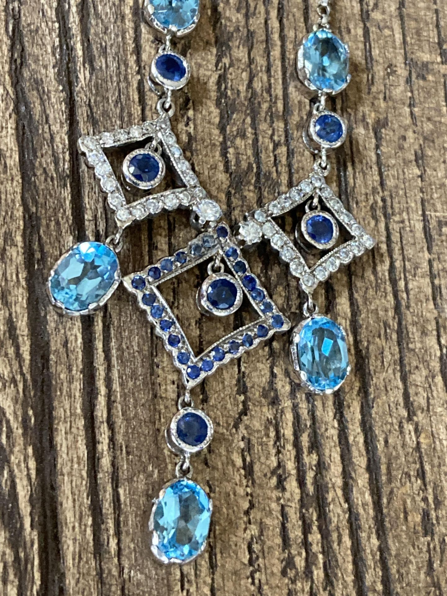 BLUE SAPPHIRE & TOPAZ 18CT WHITE GOLD NECKLACE - Image 4 of 5