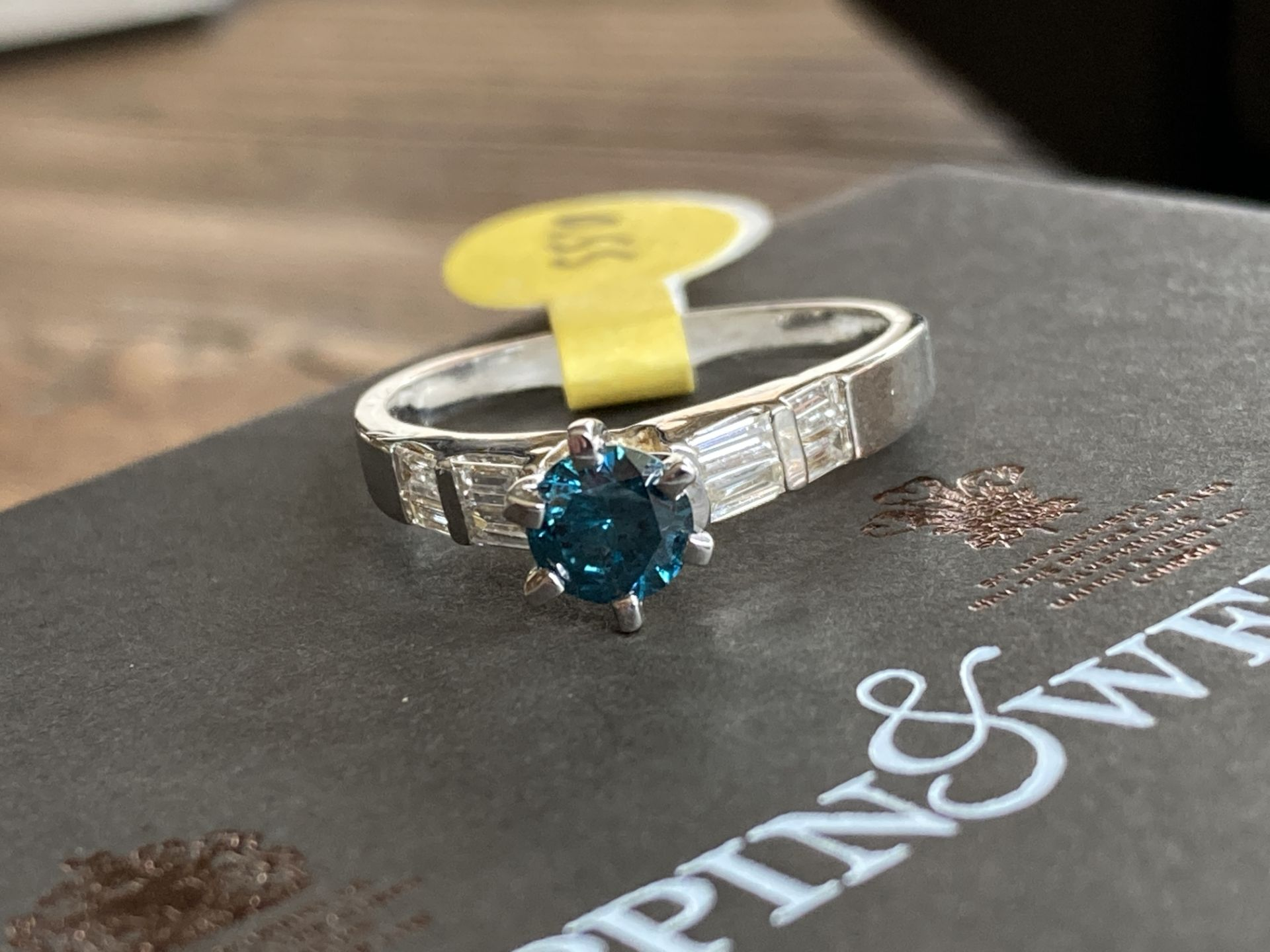 0.55CT + 0.25CT BLUE AND WHITE DIAMOND SET RING IN 14K GOLD