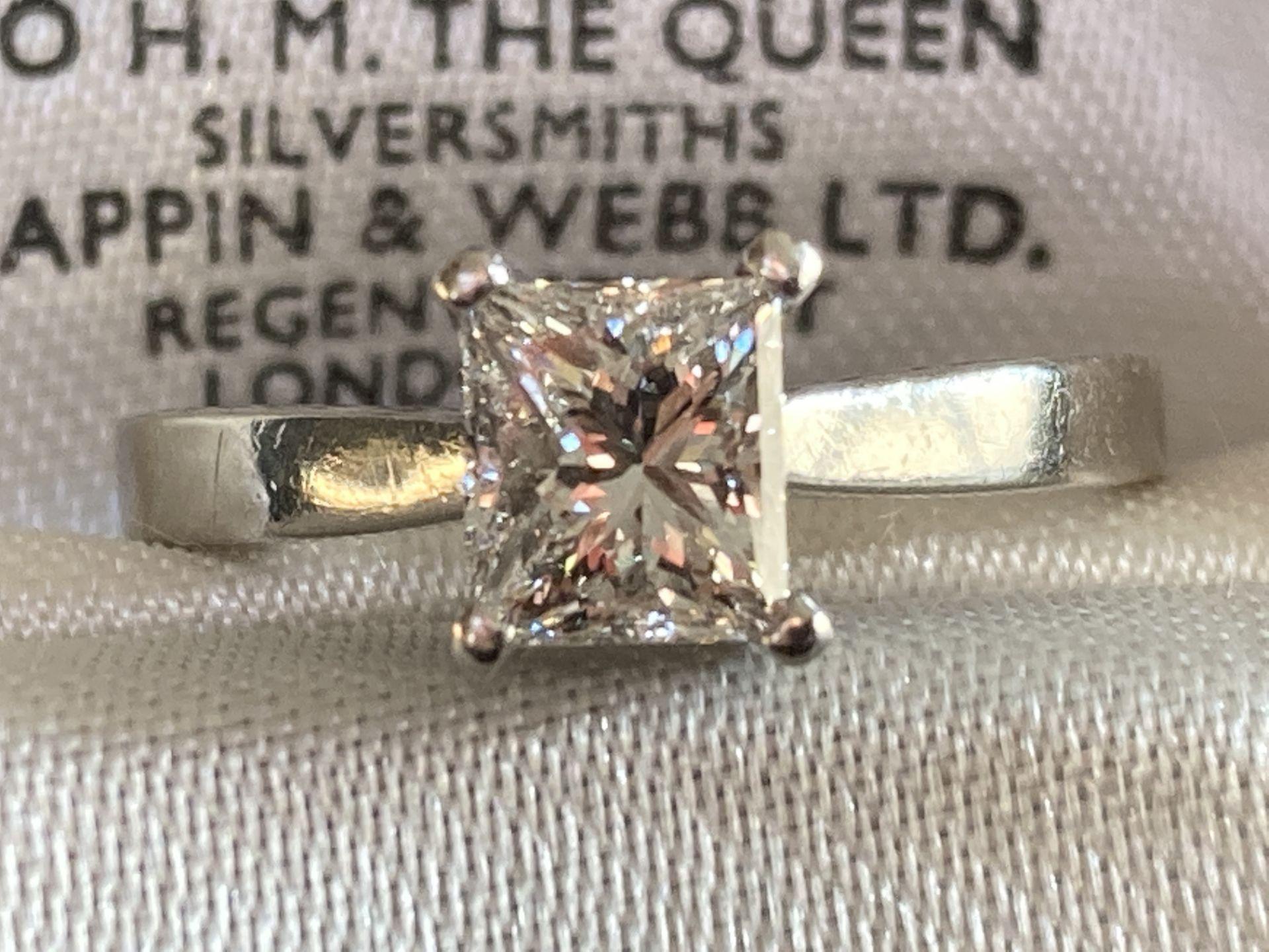 1.04CT (VS/F) PLATINUM PRINCESS CUT DIAMOND SOLITAIRE RING (CERTIFICATED)