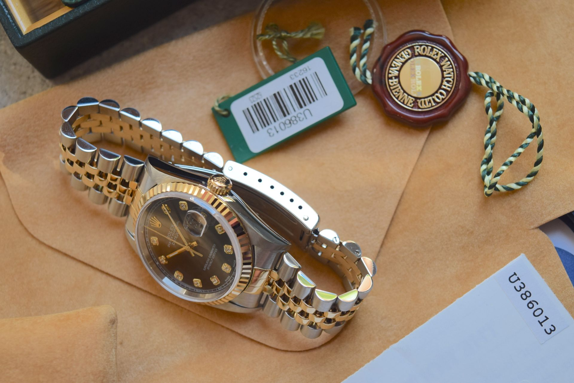 18CT GOLD/ STEEL ROLEX DATEJUST - 36MM, MENS (COMPLETE SET INC BOX, PAPERS, TAGS ETC) - Image 8 of 25