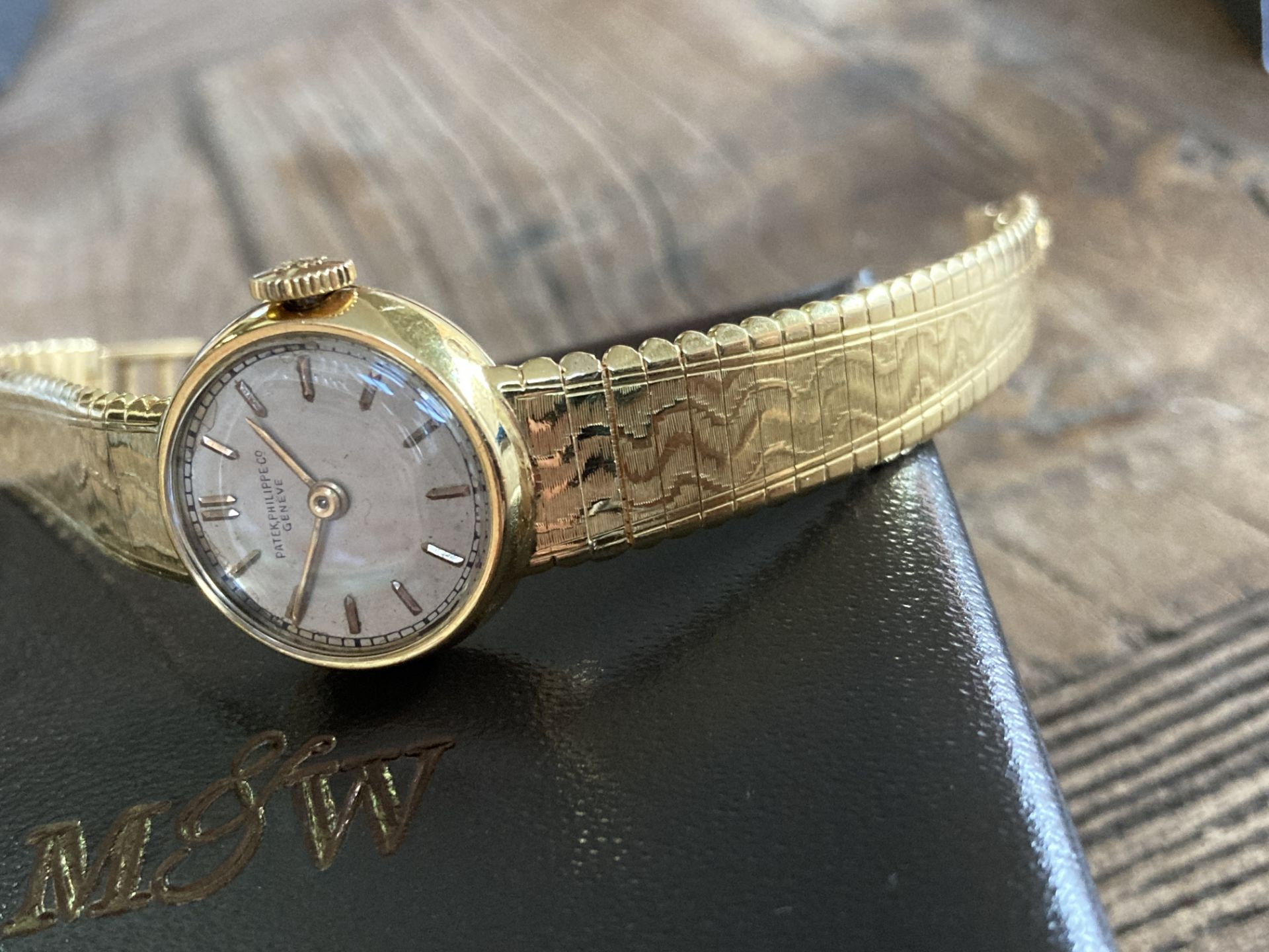 PATEK PHILIPPE 18CT YELLOW GOLD WATCH (WEIGHT: 34.1G) CASE SIZE 20MM APPROX - Image 3 of 6