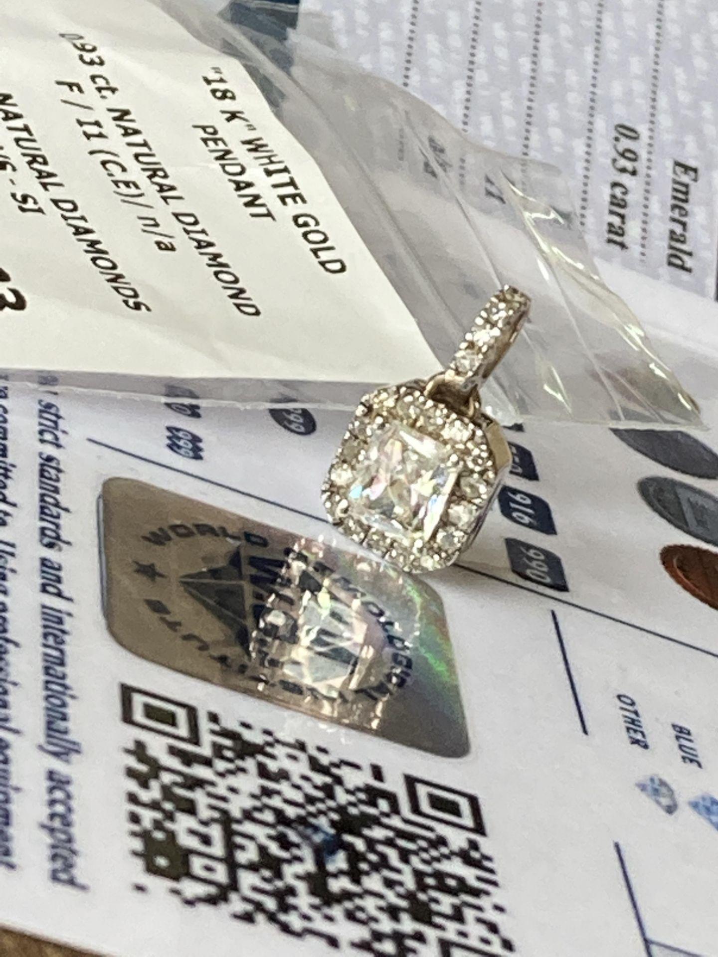 1.05CT DIAMOND PENDANT - 18K WHITE GOLD (WGI CERTIFICATE) - Image 2 of 5