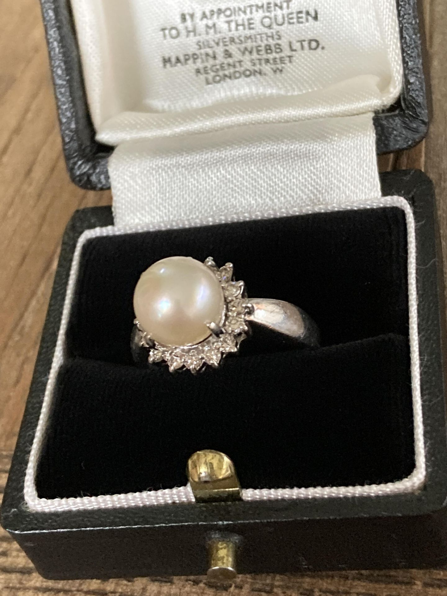 PLATINUM CULTURED PEARL & DIAMOND RING - SIZE: P, WEIGHT: 6.2G