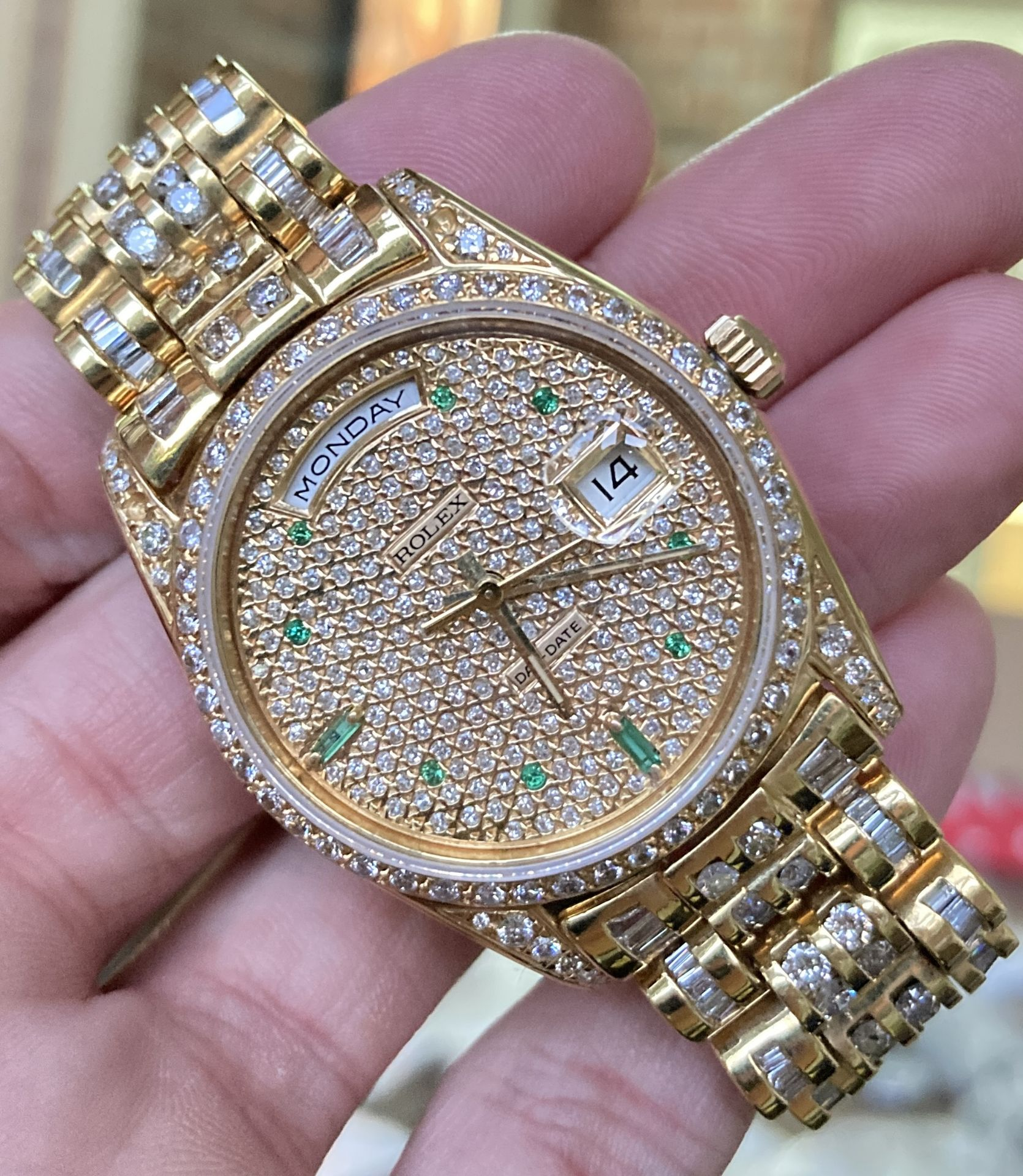 GENTS 36mm ROLEX DAYDATE YELLOW GOLD DIAMOND WATCH - Image 5 of 21