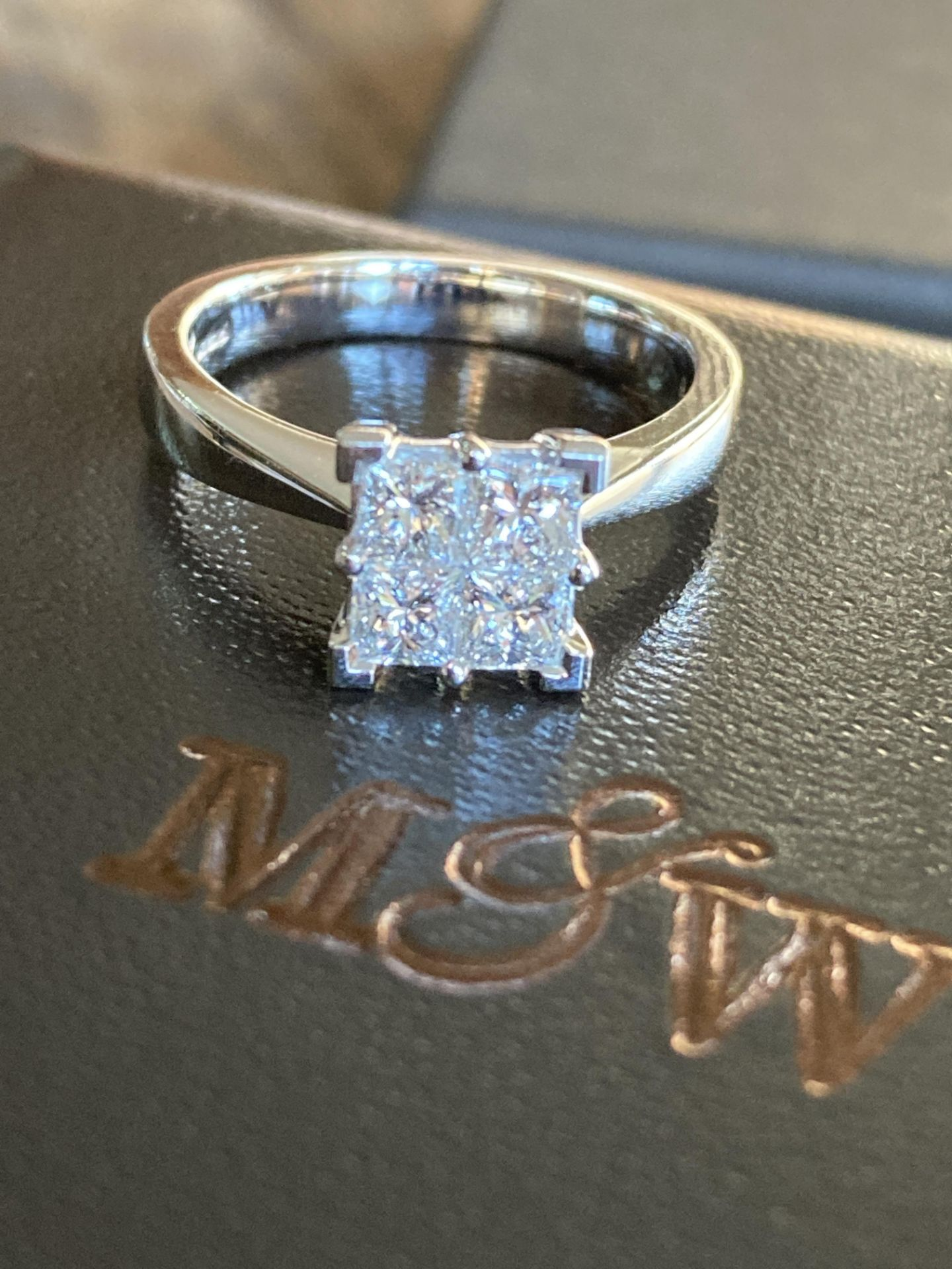 0.8-1CT APPROX. PRINCESS CUT DIAMOND RING IN 18CT WHITE GOLD - SIZE: M / WEIGHT: 5.2G - Image 2 of 4