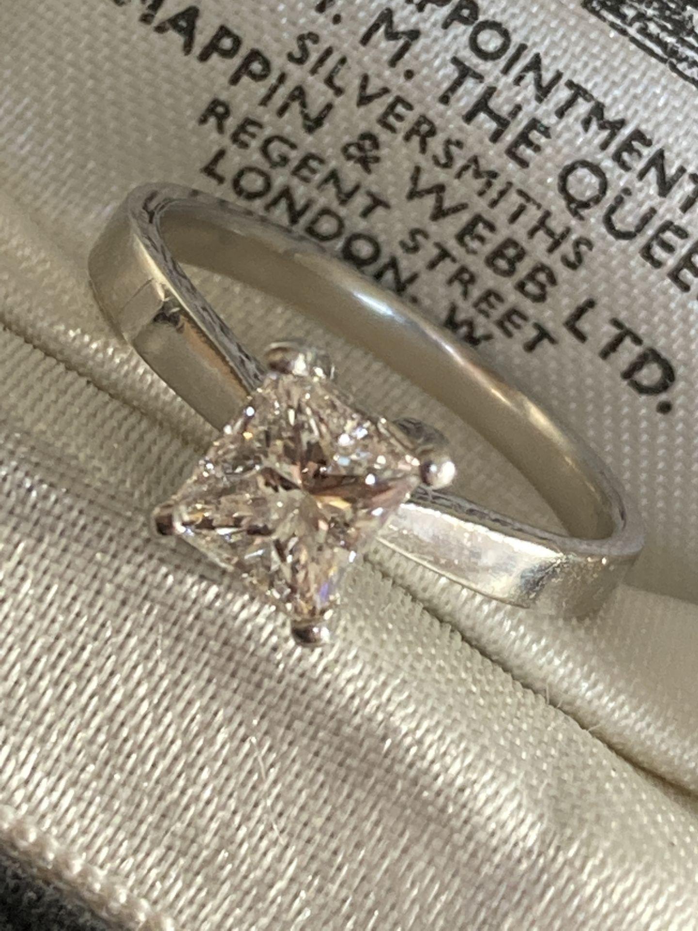1.04CT (VS/F) PLATINUM PRINCESS CUT DIAMOND SOLITAIRE RING (CERTIFICATED) - Image 8 of 10