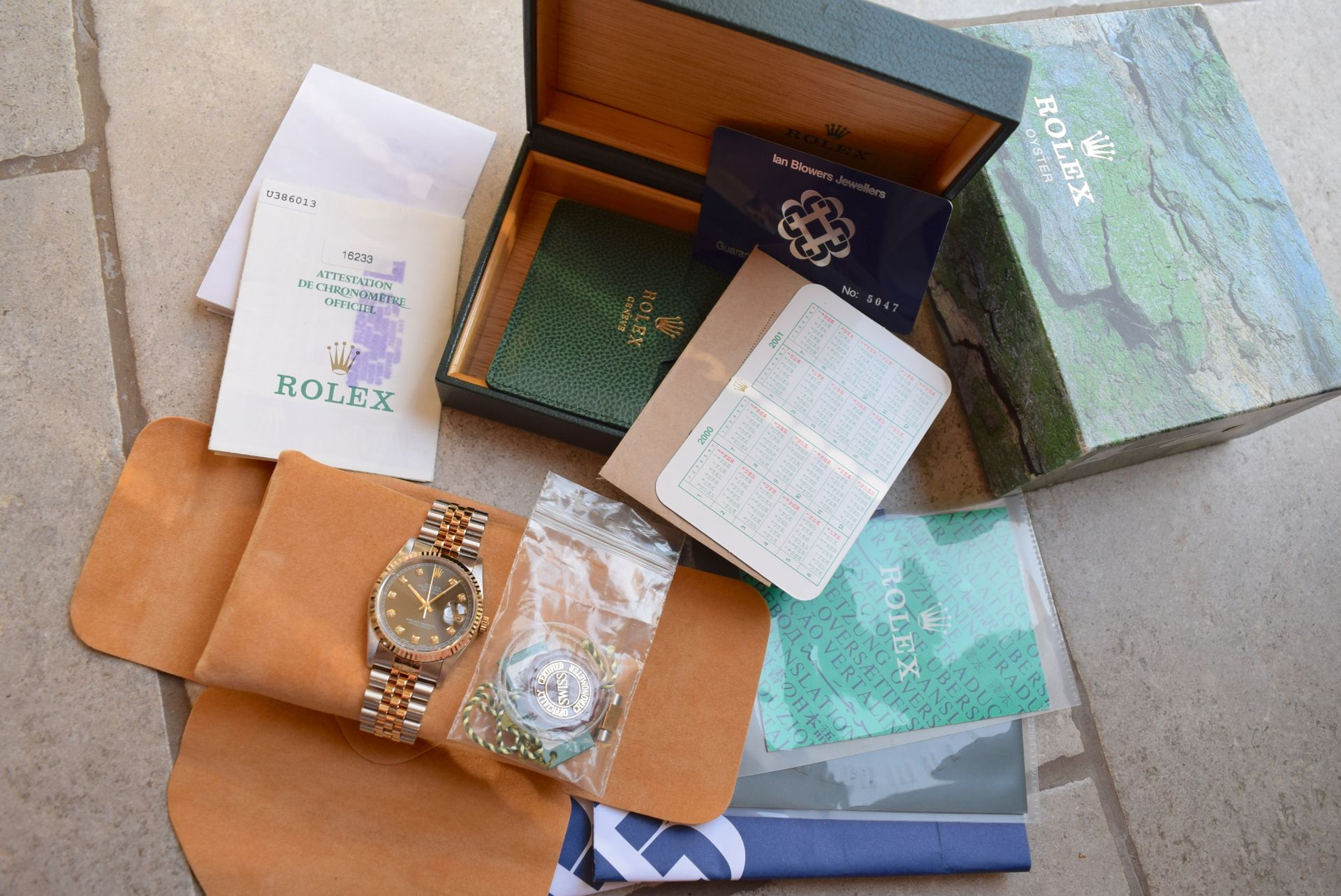 18CT GOLD/ STEEL ROLEX DATEJUST - 36MM, MENS (COMPLETE SET INC BOX, PAPERS, TAGS ETC) - Image 2 of 25