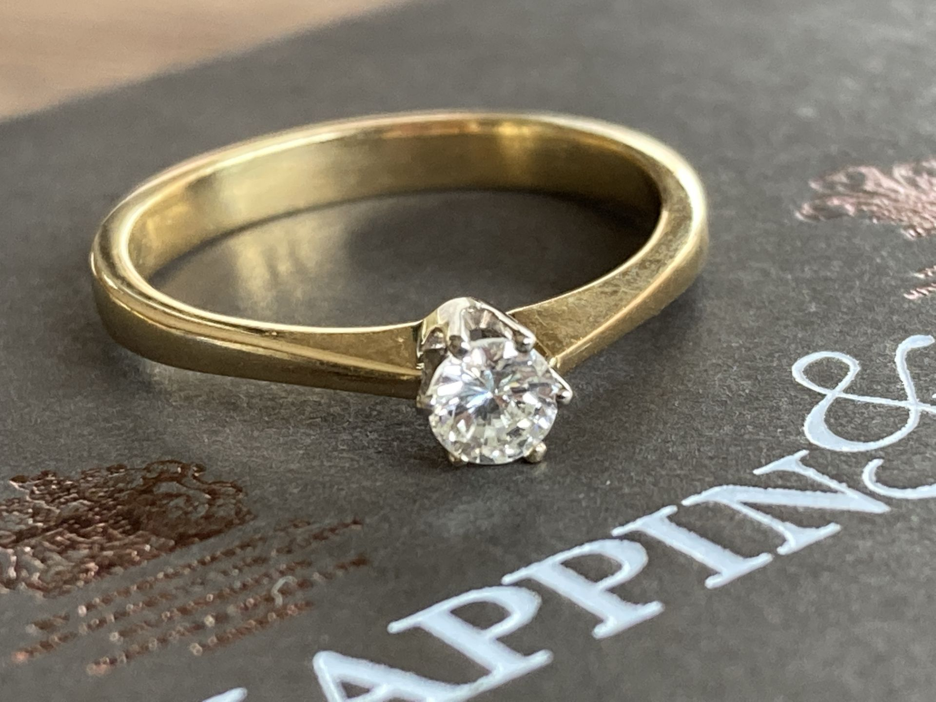18K GOLD 0.2CT DIAMOND RING