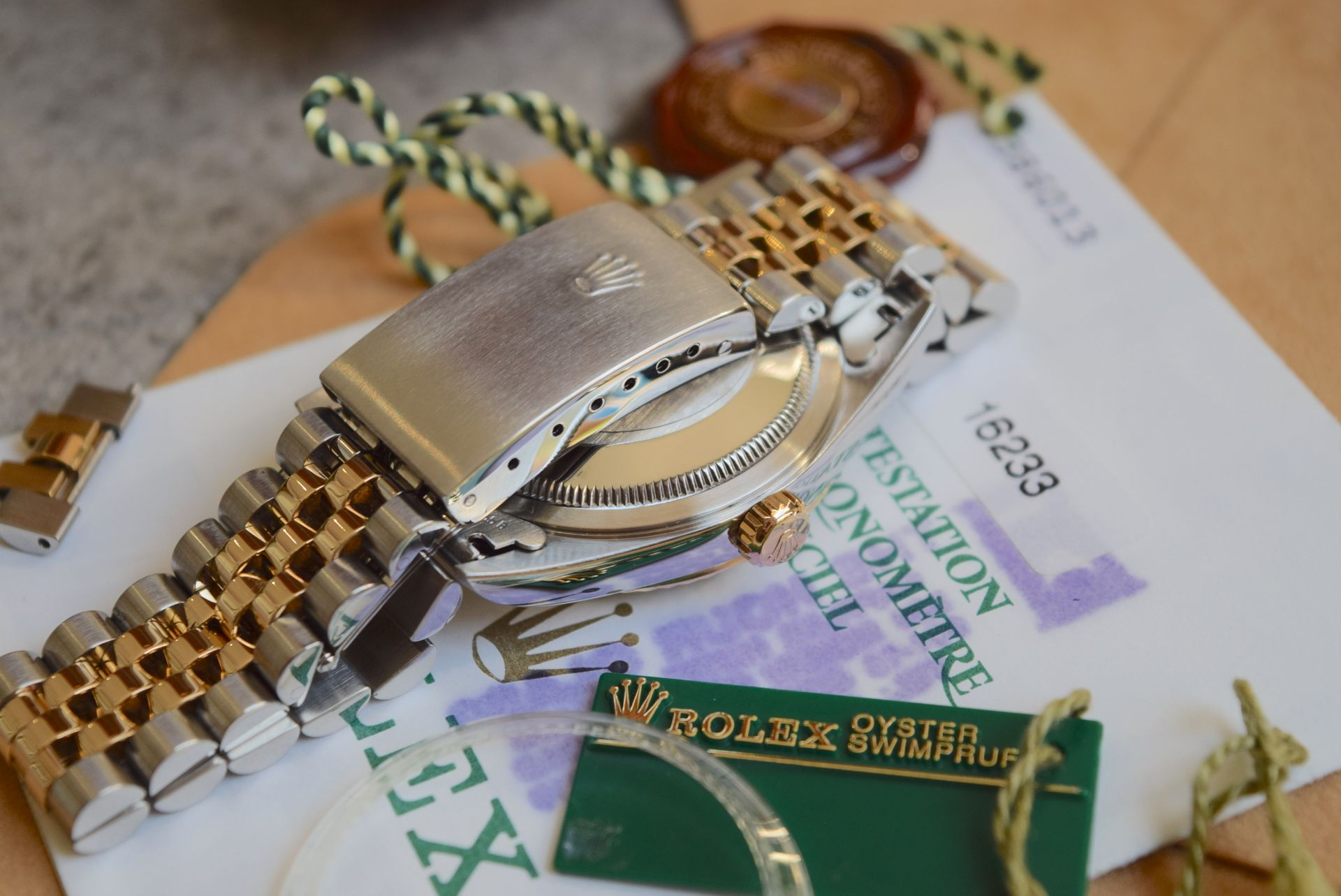 18CT GOLD/ STEEL ROLEX DATEJUST - 36MM, MENS (COMPLETE SET INC BOX, PAPERS, TAGS ETC) - Image 12 of 25