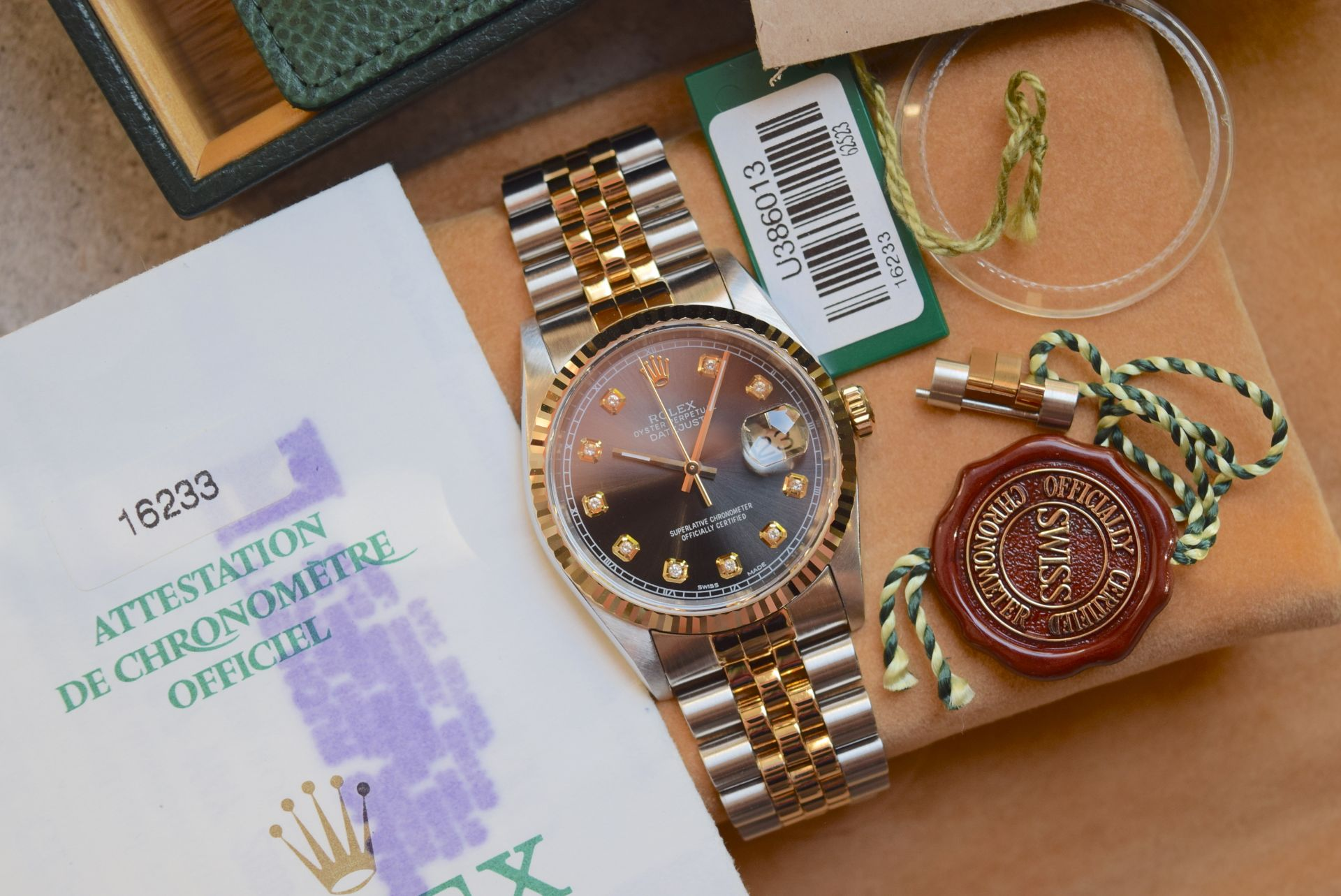 18CT GOLD/ STEEL ROLEX DATEJUST - 36MM, MENS (COMPLETE SET INC BOX, PAPERS, TAGS ETC) - Image 23 of 25