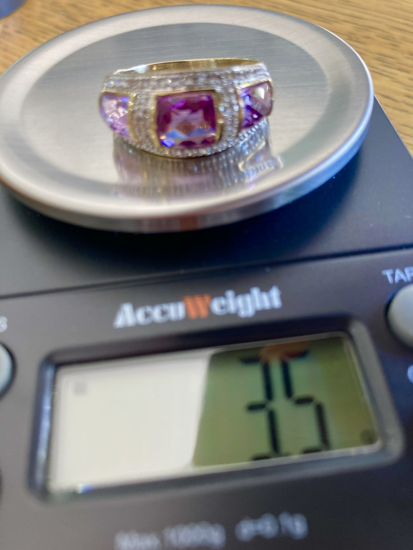 9CT YELLOW GOLD AMETHYST & DIAMOND RING - SIZE: S / WEIGHT: 3.5G - Image 2 of 9