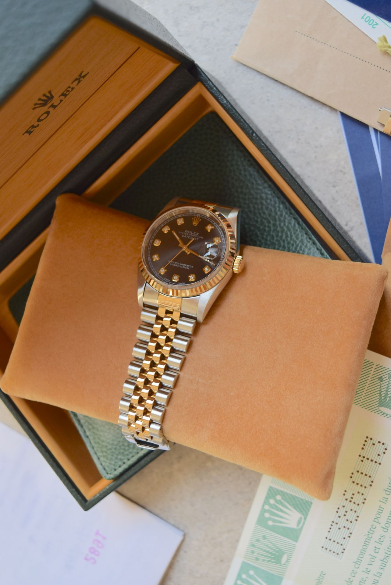 18CT GOLD/ STEEL ROLEX DATEJUST - 36MM, MENS (COMPLETE SET INC BOX, PAPERS, TAGS ETC) - Image 17 of 25