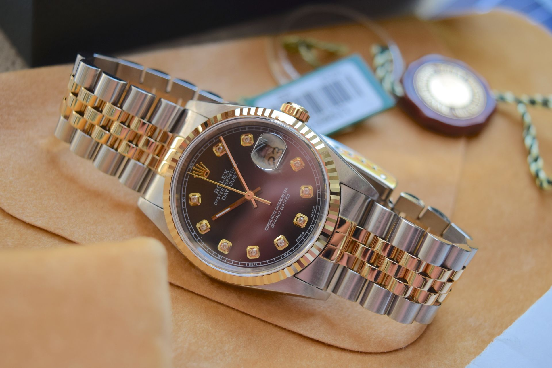 18CT GOLD/ STEEL ROLEX DATEJUST - 36MM, MENS (COMPLETE SET INC BOX, PAPERS, TAGS ETC) - Image 7 of 25