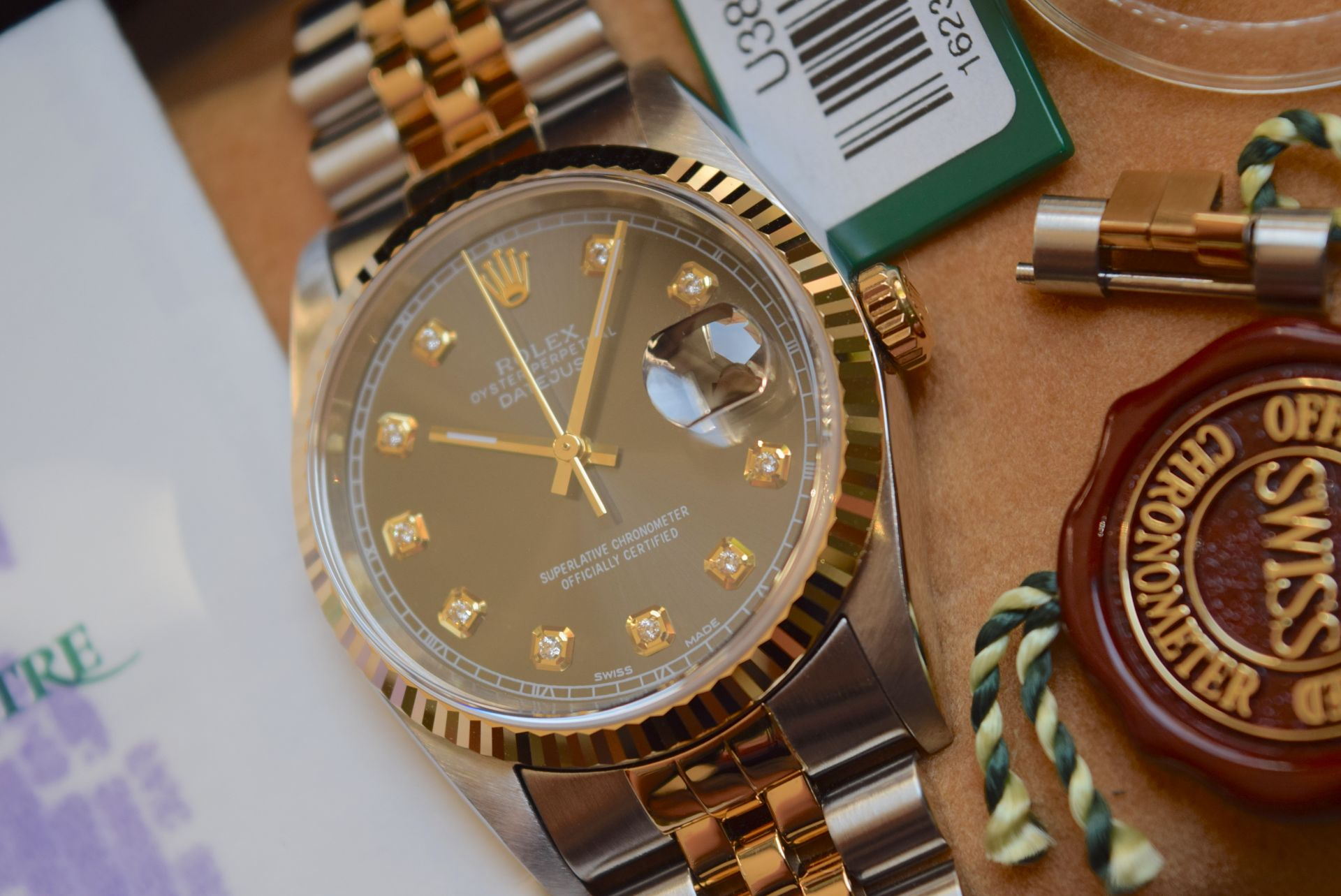 18CT GOLD/ STEEL ROLEX DATEJUST - 36MM, MENS (COMPLETE SET INC BOX, PAPERS, TAGS ETC) - Image 5 of 25