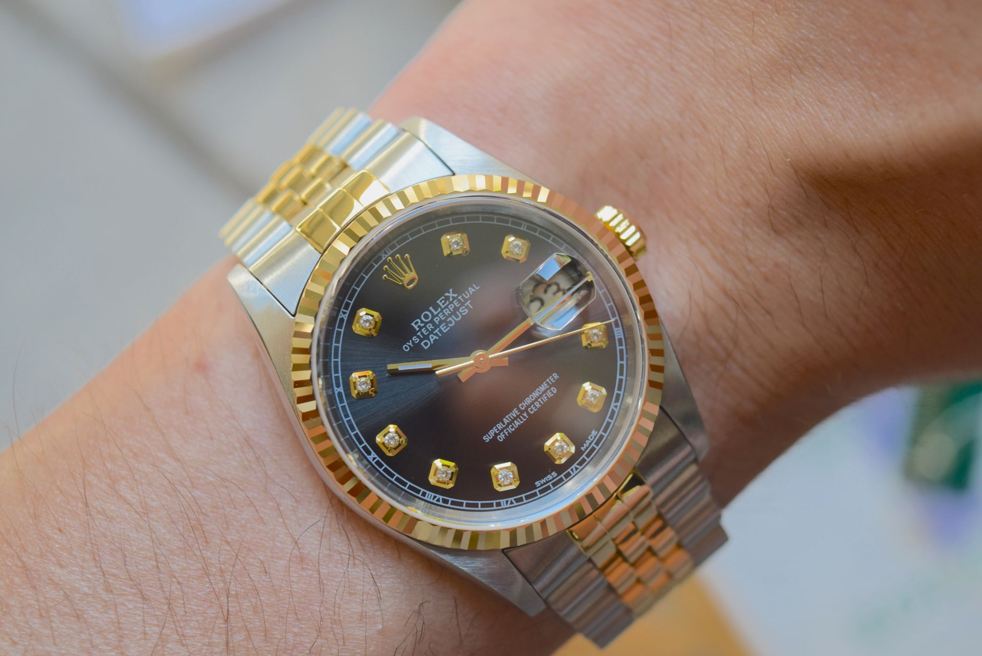 18CT GOLD/ STEEL ROLEX DATEJUST - 36MM, MENS (COMPLETE SET INC BOX, PAPERS, TAGS ETC) - Image 24 of 25