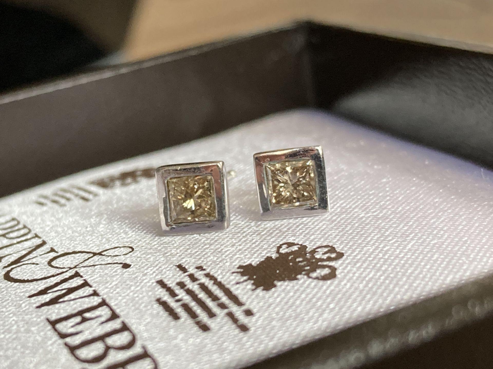 DIAMOND 18K EARRINGS - 0.55CT