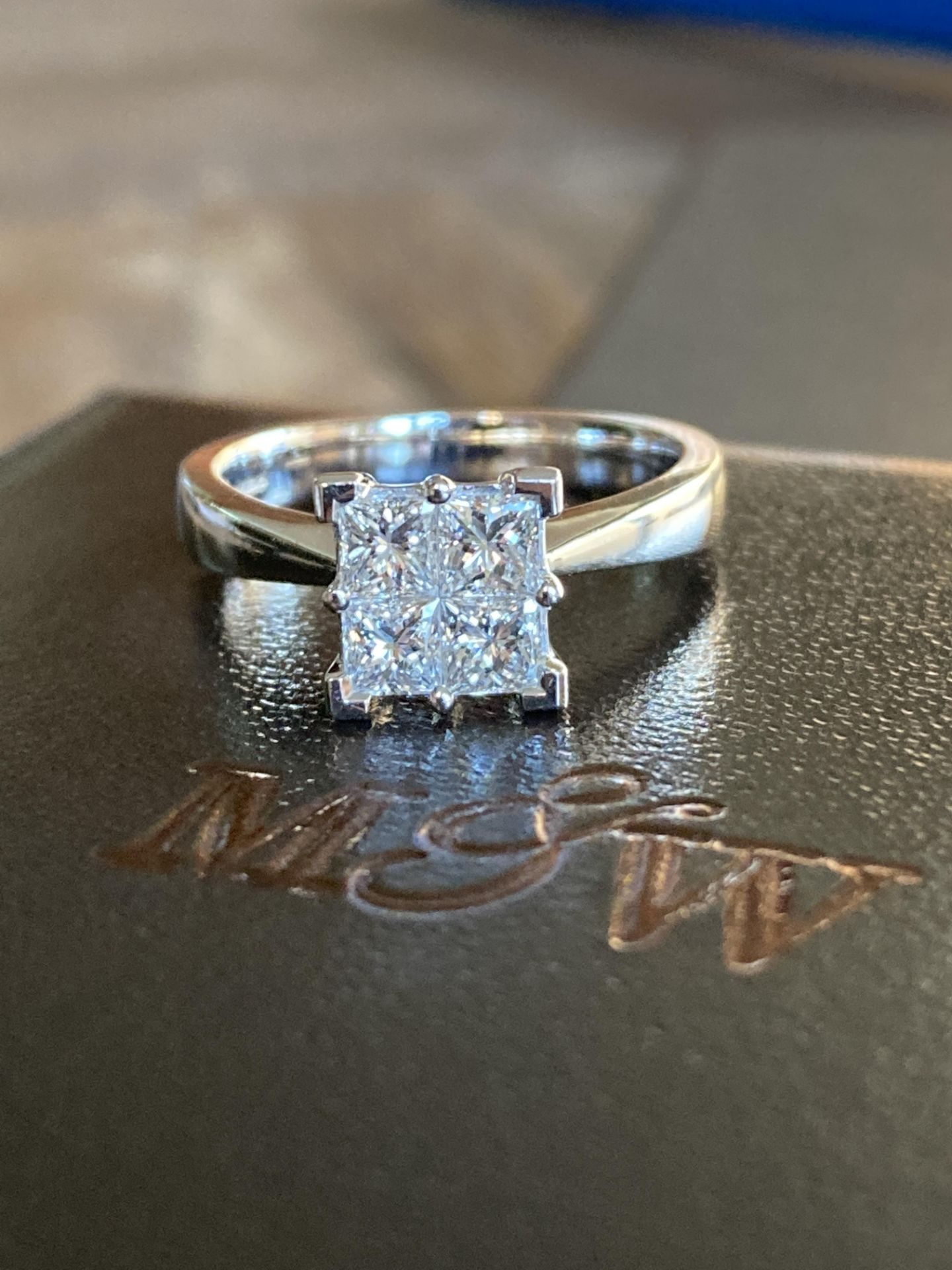 0.8-1CT APPROX. PRINCESS CUT DIAMOND RING IN 18CT WHITE GOLD - SIZE: M / WEIGHT: 5.2G - Image 3 of 4