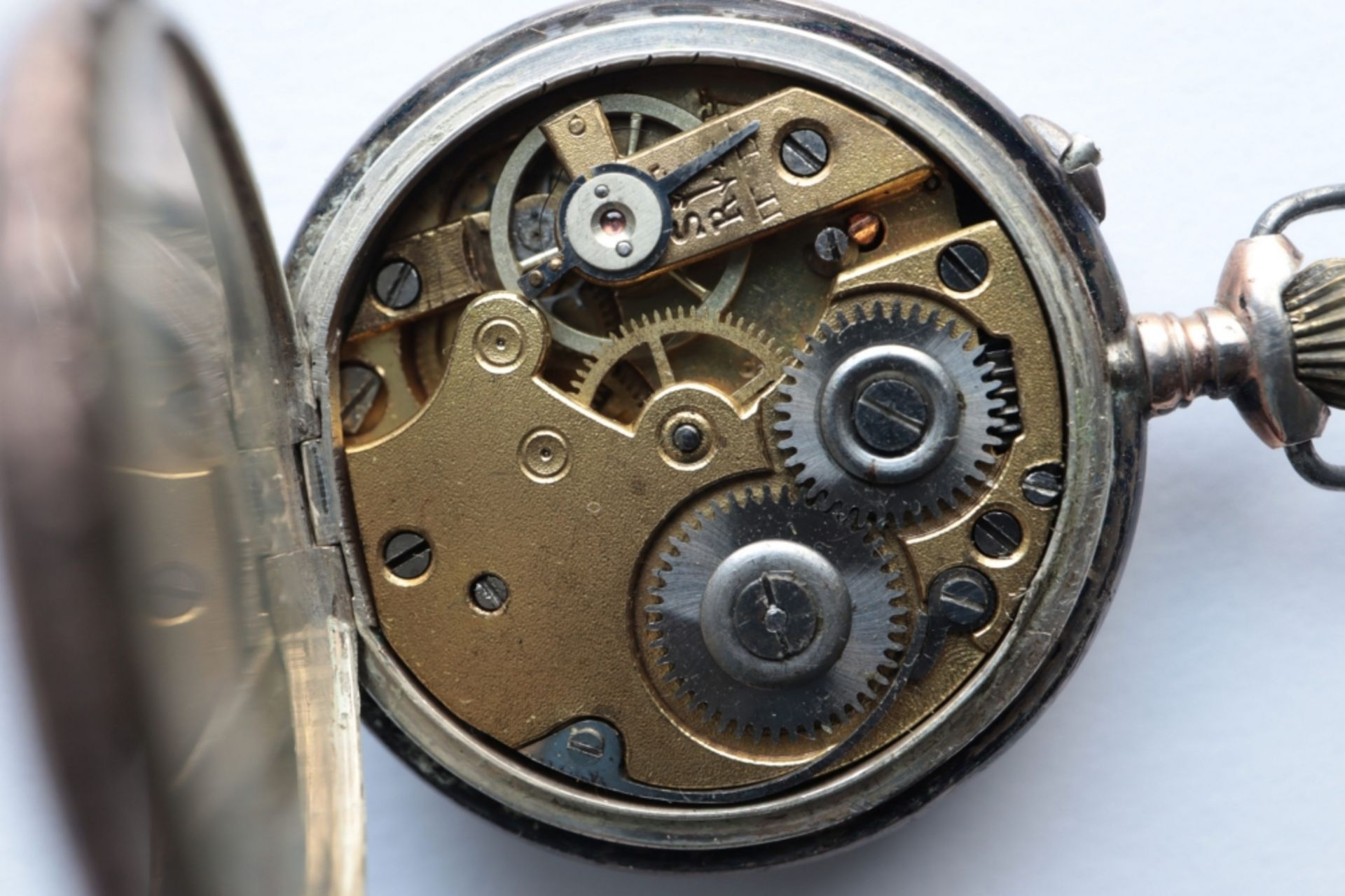 Lot of 6 watches including 4 pocket watches, a travel alarm clock and a wristwatch. - Image 4 of 7