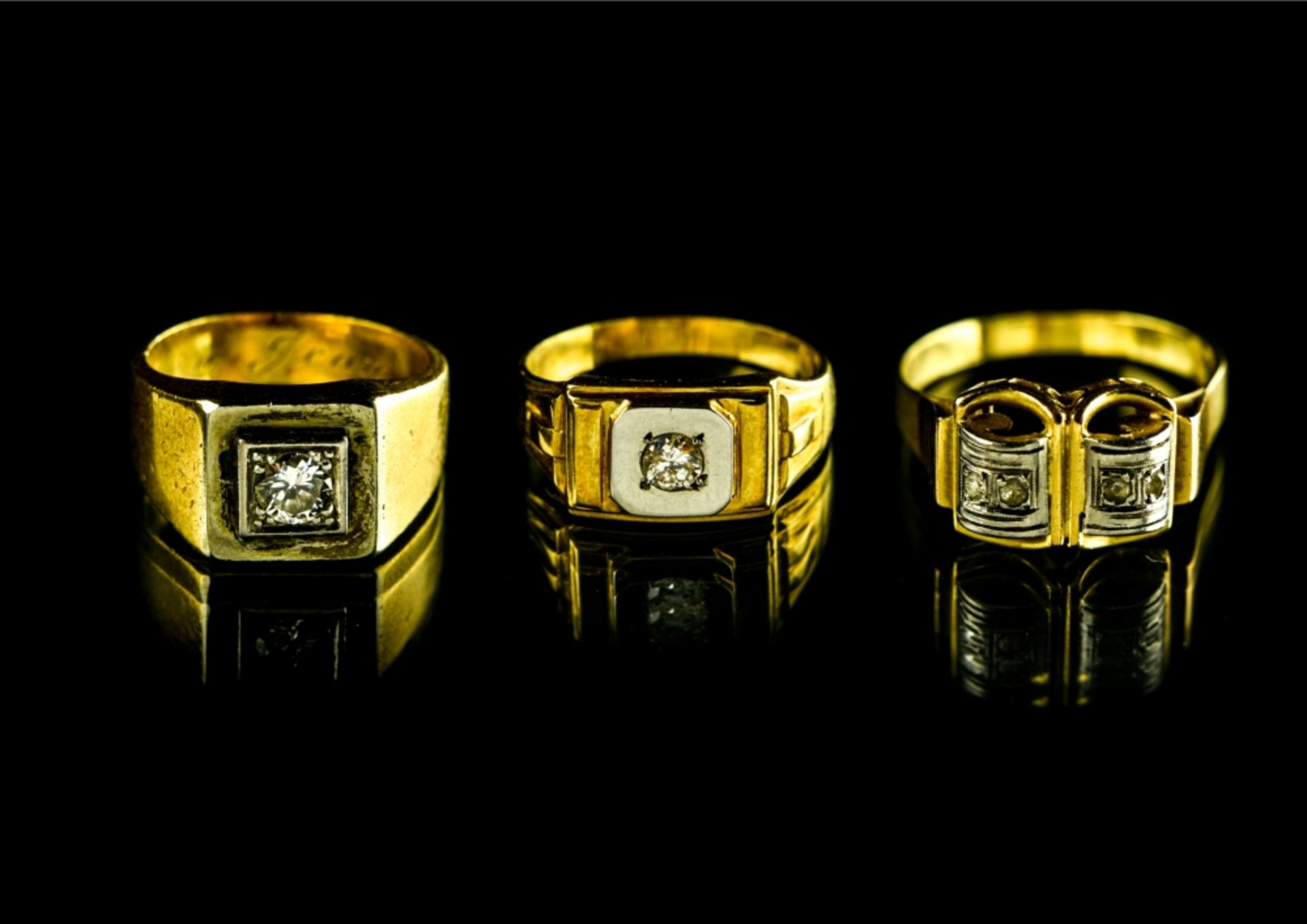 """Lot of 3 rings 18 kt white gold. 1. Signet ring without a hallmark, inscribed """"Yvette ˆ Jean"""""""