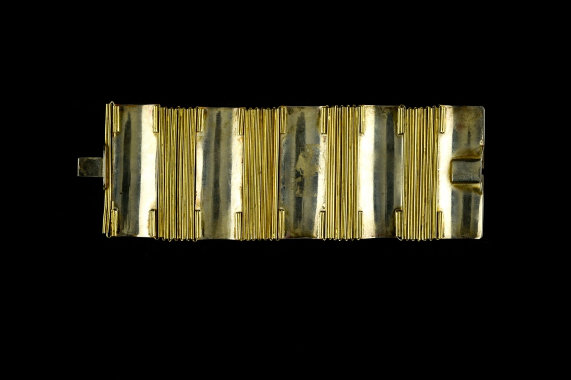 Jean DUNAND (1877 - 1942) Articulated bracelet, ca. 1922 Sterling silver, gilt metal, and red and - Image 3 of 3