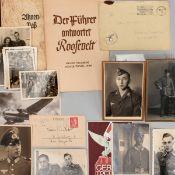 """Konvolut Fotos und Dokumente III. Reich dabei: Ahnenpaß (unbenutzt); """"Der Führer antwortet Roosev"""