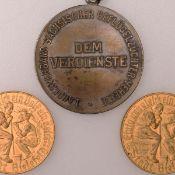 Paar Münzen bzw. Medaillen 2 x Notgoldmark Bielefeld 1923, Spendenmedaille zu Gunsten der Bevölke
